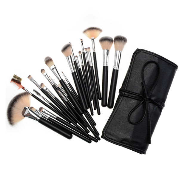 High Quality Synthetic Wooden Face Powder Foundation Makeup Brush 24Pcs
