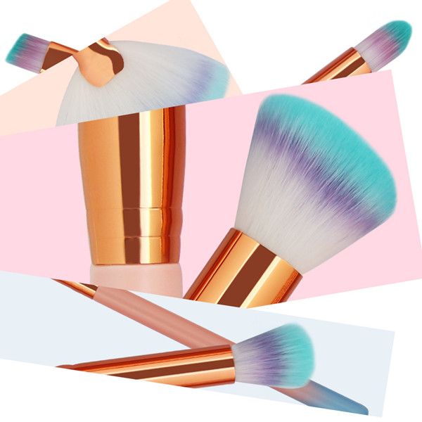 Makeup Brushes Using Tips